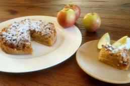Apfel mit Butter- oder Marzipanstreusel