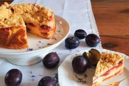 Zwetschgen-Quark Kuchen mit Zimtstreuseln